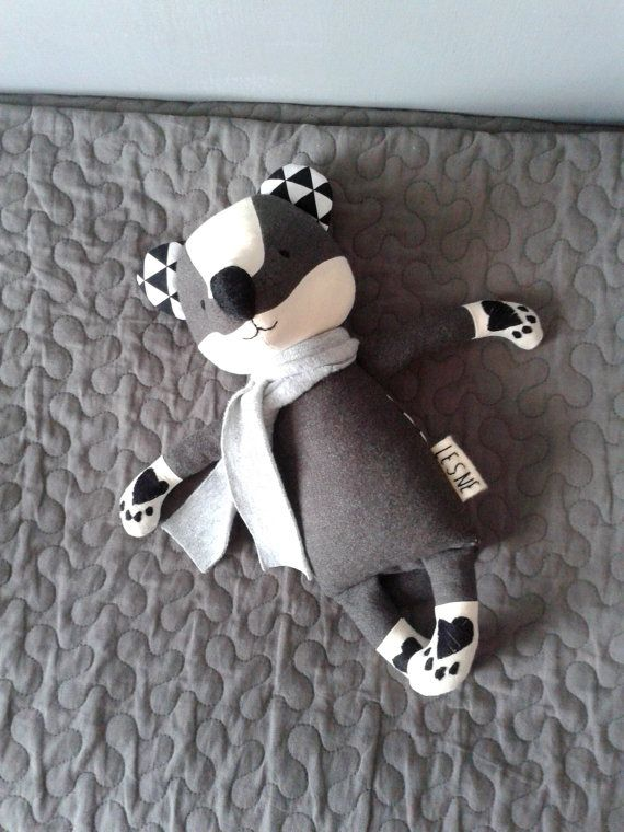 https://www.etsy.com/fr/listing/228789954/toivo-the-badger-made-to-order-stuffed?ref=related-0