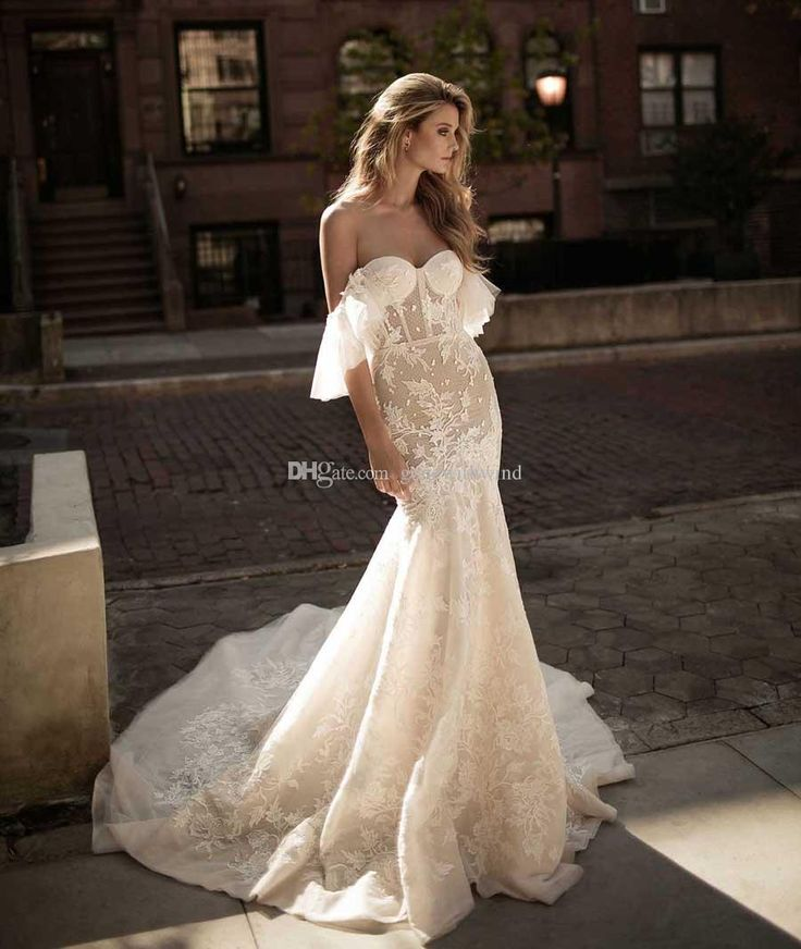 2017 Berta Bridal Royal Train Fit And Flare Mermaid Wedding Dresses Off The Shoulder Sweetheart Neckline Bustier Embellished Wedding Gowns Ball Gowns Lace Wedding Dress From Gonewithwind, $804.03| Dhgate.Com