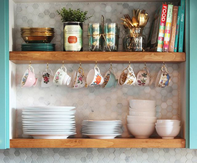See how Melissa from The Sweet Escape completely transformed her kitchen including how to DIY kitchen open shelving to display and style your goodies.
