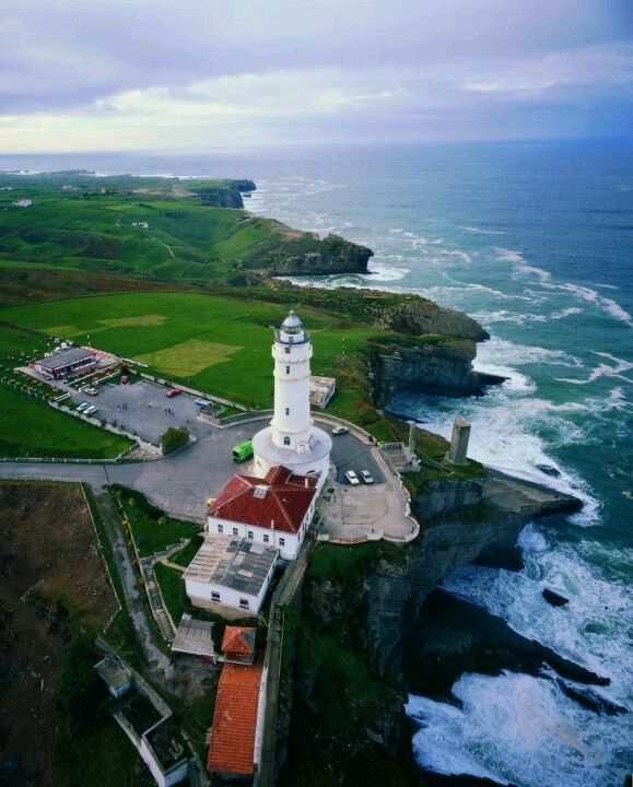 #Santander #Spain http://www.spiabroad.com/spain/santander-high-school-study-abroad-program/