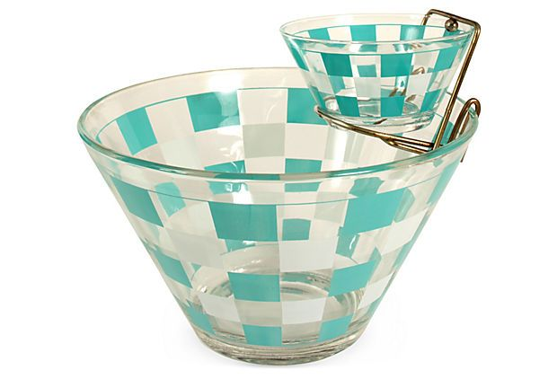 Cool vintage chip & dip, these are so cool to have at parties.