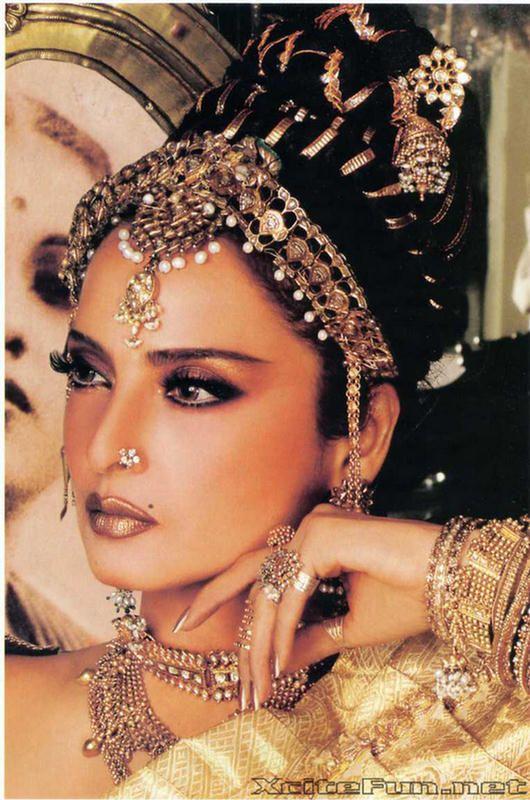 image Bollywood stuck locking actres girls panty
