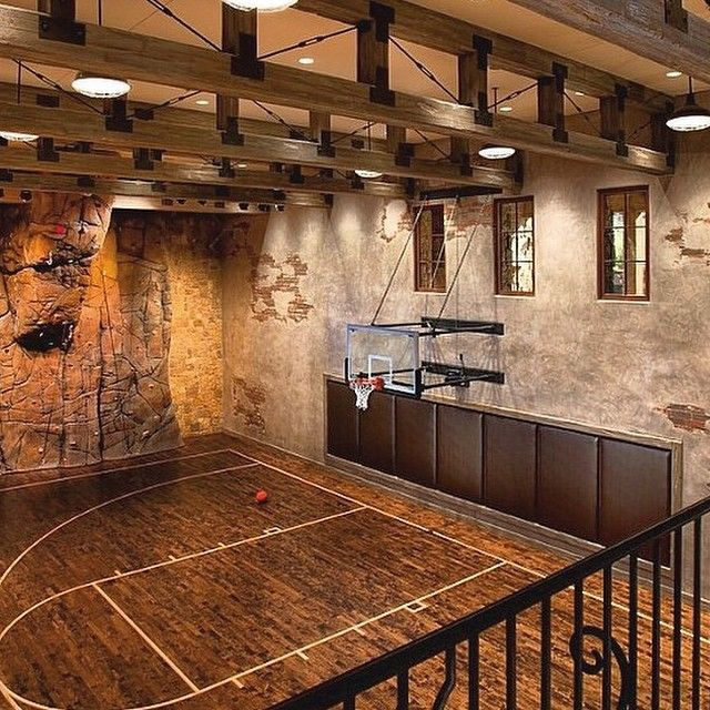 Indoor #basketball #court #hot #interiordesign #rustic