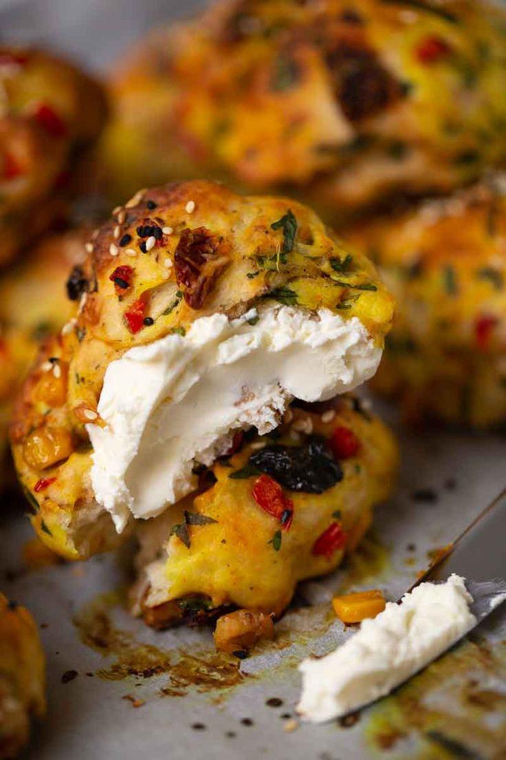 Vegane Gemüseröllchen sind ein besonderer Genuss zum Frühstück oder Abendessen.   – Bread