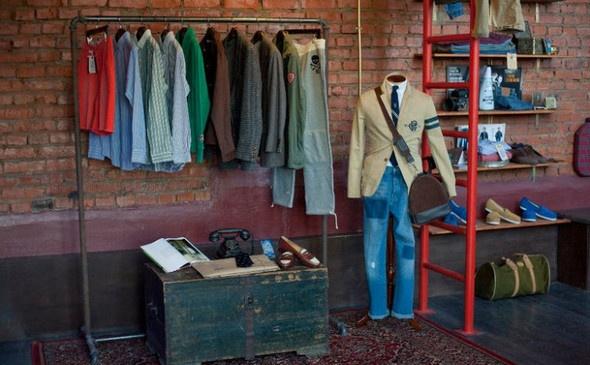 Создатели магазина мужской одежды Preppy Store, в который раньше можно было попасть лишь по предварительной записи, открывают в Москве полноценный магазин. Новое место будет также располагаться на дизайн-заводе «Флакон»  #lookatme