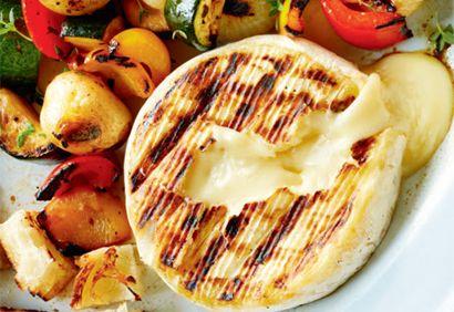 Brie chaud et légumes grillés #fromage #brie #legumes #gril