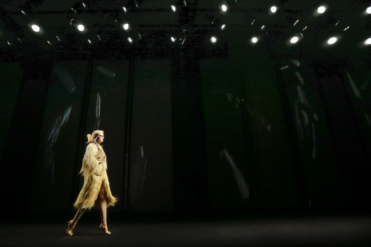Gucci Fall 2016 Ready-to-Wear Fashion Show Atmosphere