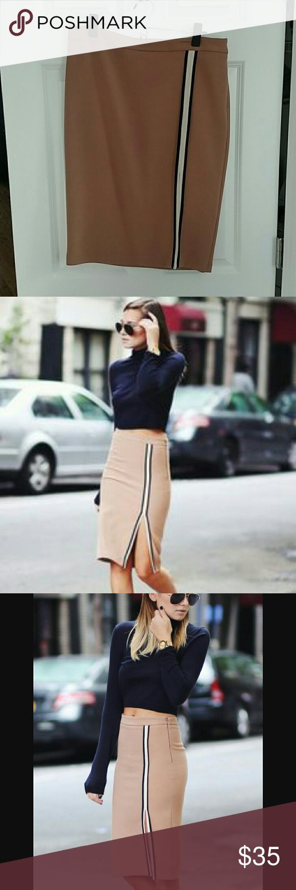 Zara Side Slit Skirt So cute and only worn once. Seen on Danielle Bernstein of We Wore What. Looks great for work or play with white sneakers. Zara Skirts Midi