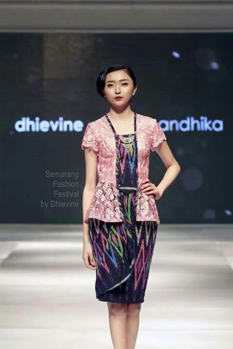 Kebaya kutubaru by dhievine - tenun ikat - tenun rang rang - semarang fashion festival 2015