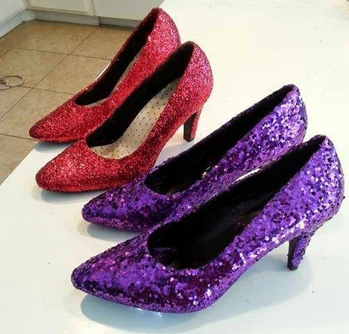 Give an old pair of heels some new life with this easy craft shared by Duchess Diva Deb of the Order of the Drama Queens Chapter.        ...