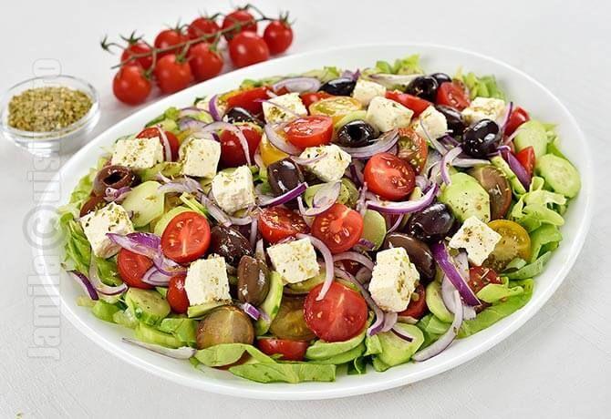 Salata greceasca – reteta video