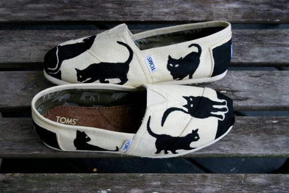 Meow do you like this pair? | Community Post: 33 Pairs Of Unbelievably Beautiful Custom TOMS