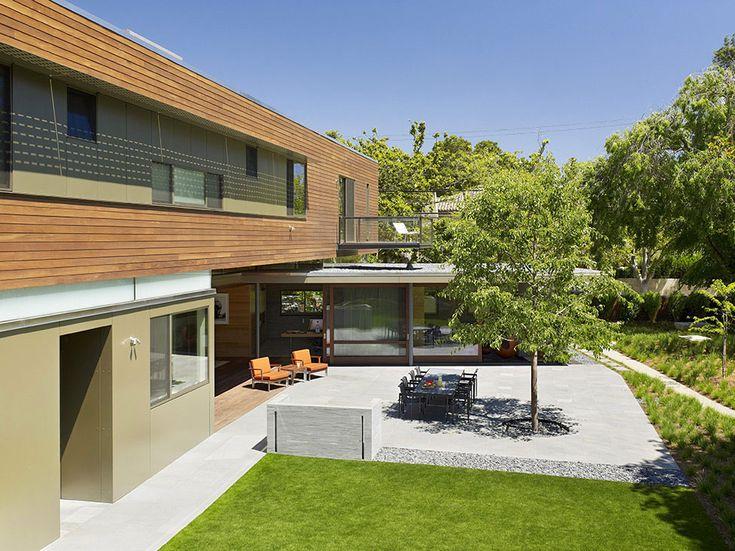 Courtyard2 uma casa brilhante e relaxante Apresentando uma configuração linear em Palo Alto