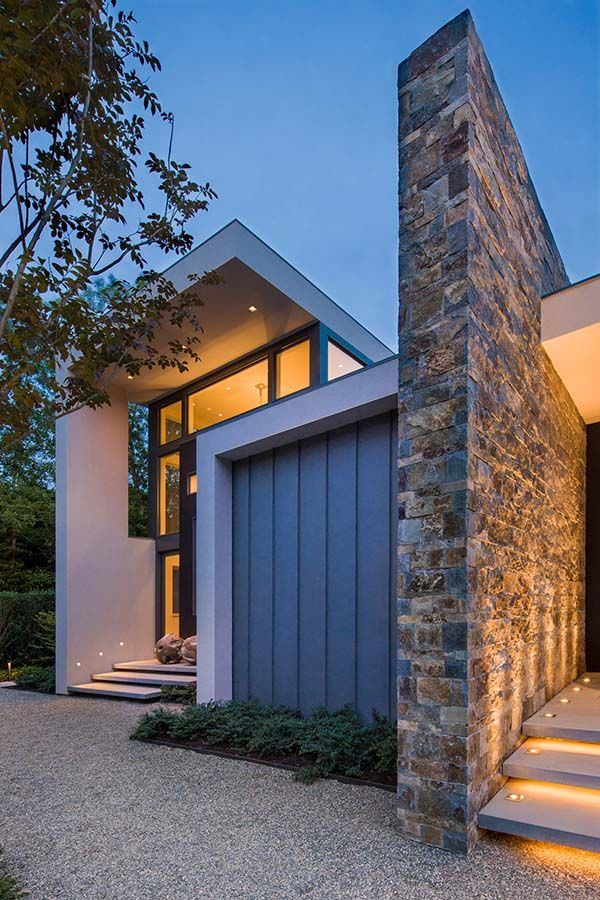 Modern residence in east hampton expressing indoor outdoor living