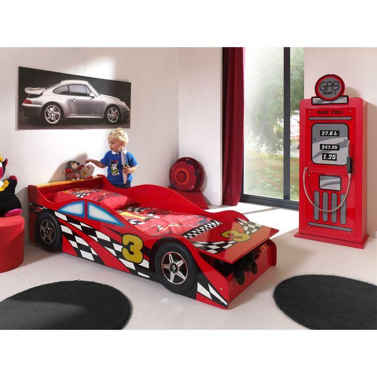 Laat je peuter dromen als een echte racepiloot. Autobed met handige opbergruimte. #Peuterkamer #Racewagen #Rood