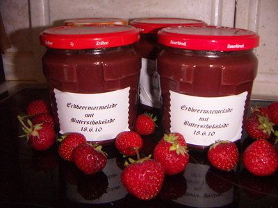 'Erdbeermarmelade mit Bitterschokolade'