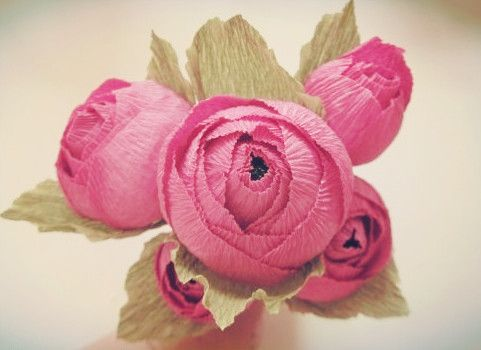 Crepe paper folding candy roses Graphic Guide--How to make a number of different crepe paper roses