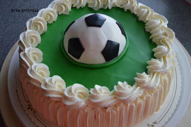 Kirsin keittiössä: Jalkapallo-kakku
