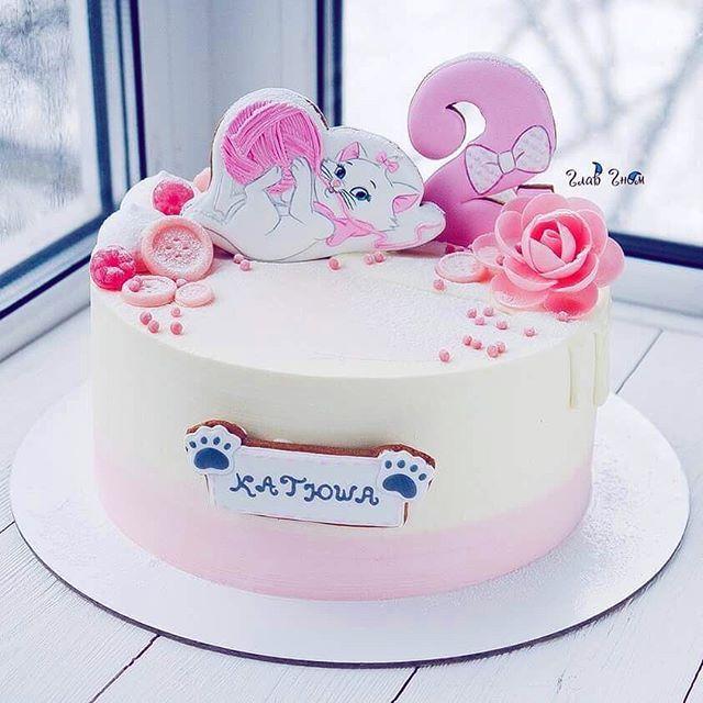 Мурррр  Уже финишная прямая... осталось пару ночей и дней продержаться!!! Сейчас всем кондитерам не до сна)  Но ещё немного и скоро отдых  Вы держитесь там!!!!  Прянички от @get_biscuit  #glavgnom #glavgnom_cake #тортназаказмосква #тортбезмастики #dessert #desserts #food #foods #sweet #sweets #yum #mmm #hungry #dessertporn #cake #foodgasm #foodporn #delicious #foodforfoodies #instafood #yumyum #sweettooth #chocolate #icecream #soyummy #getinmybelly #tagstagrame #beautiful