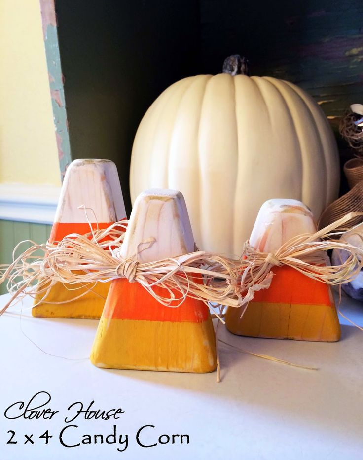 What a cute fall decor project.  Learn how to make these adorable wooden candy corn decorations