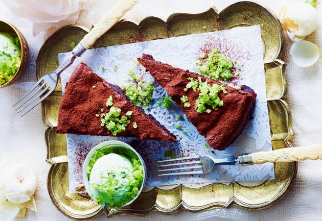 Flourless chocolate cake #hfwweekend #chocolate #chocolatecakes #recipes