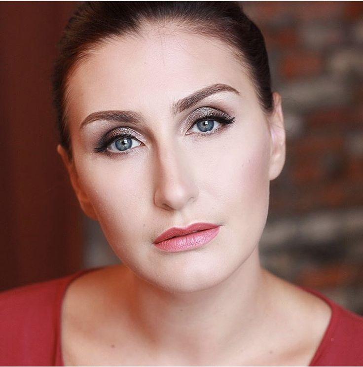 Makeup by Anna Lina
