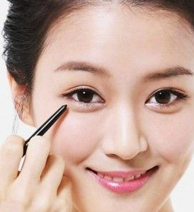 Find out the simplest way to have adorable Korean make up style for our daily performance.