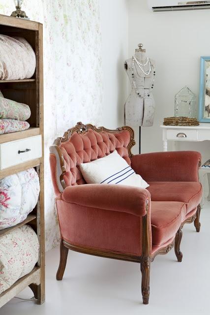 Jurnal de design interior - Amenajări interioare, decorațiuni și inspirație pentru casa ta: Casa unui blogger