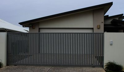 Sliding gate with electric low voltage gate motor