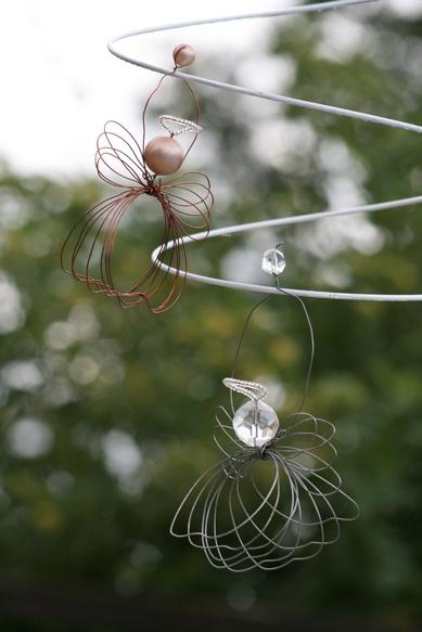 Wire angels