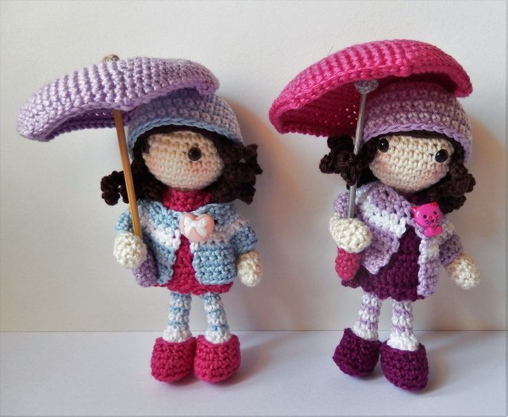 Free crochet Autumn Umbrella Girls crochet amigurumi dolls pattern - instructions to download in English using American terminology, as well as in German.