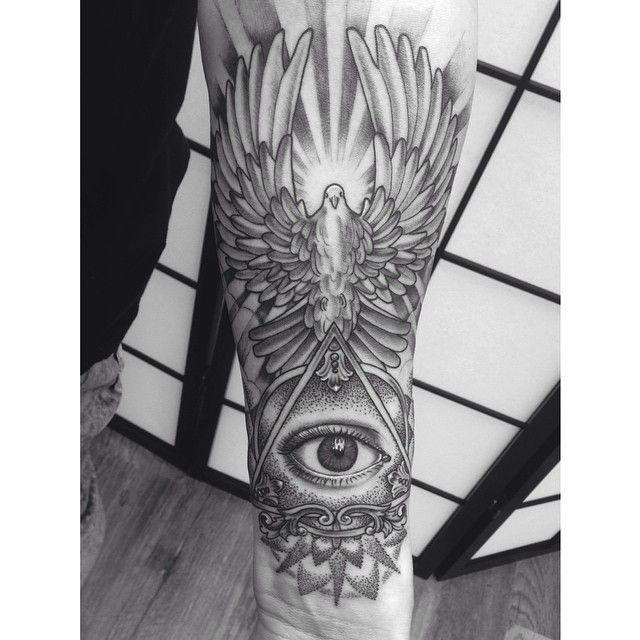 illuminati eye tattoo - Recherche Google                                                                                                                                                                                 Más