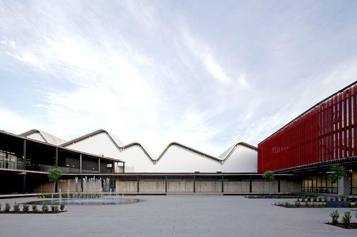 Centro de Producción e Investigación Carozzi / GH+A   Guillermo Hevia / Chile