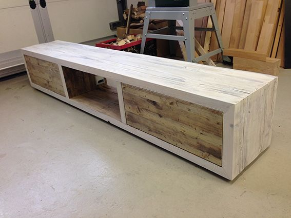 lowboard woodthings 14 2 m lang aus ger stbaubohlen mit. Black Bedroom Furniture Sets. Home Design Ideas