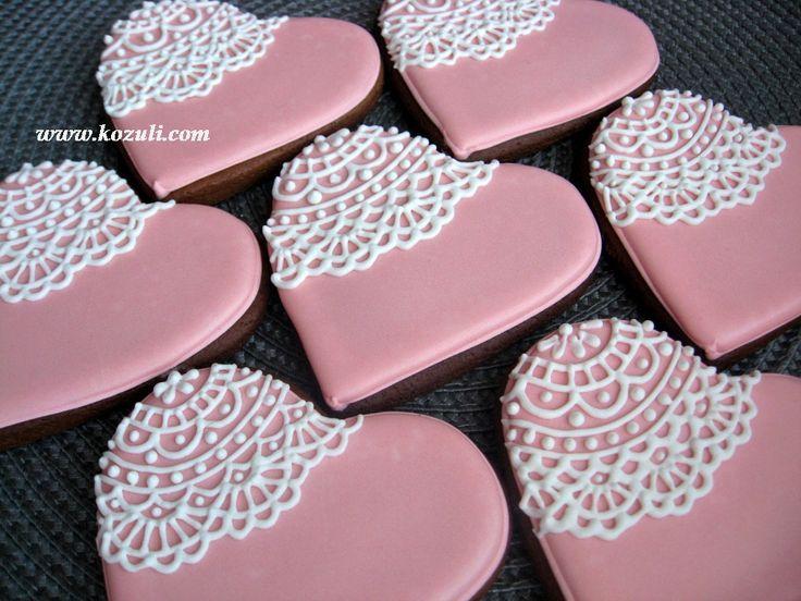 @kozuli_com Piping Lace Cookie /  Lace cookies / Royal icing cookies. Decorated cookies / Кружевное печенье, кружевные пряники / Видео мастер-классы по росписи пряников на www.kozuli.com