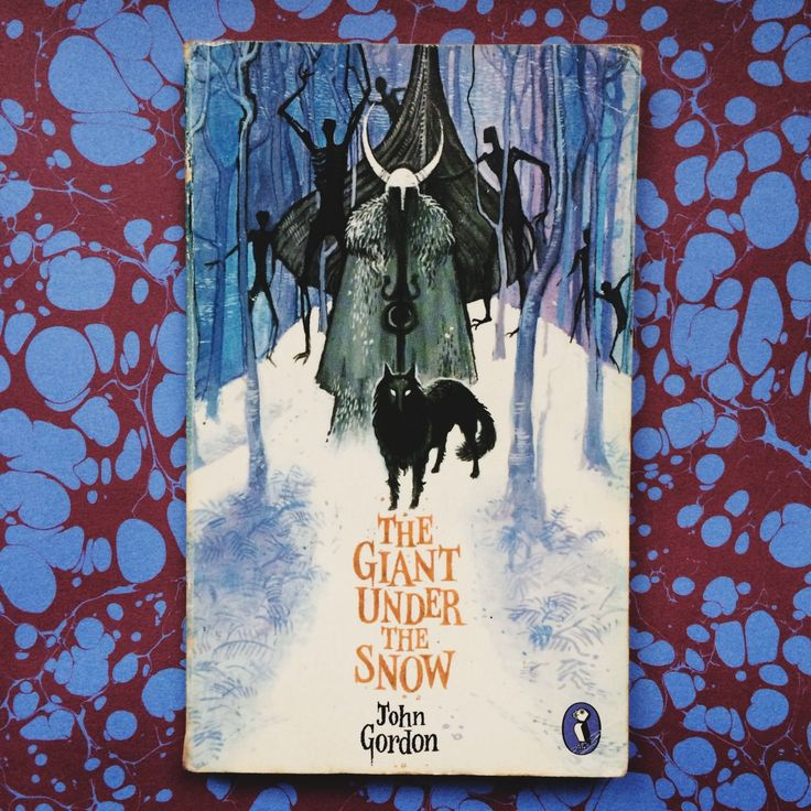 Inspired by my recent Alan Garner discovery, I've been doing a bit of adventuring in the land of old children's books. A friend recommended this as one of his old favourites, and a Garner-esque read...