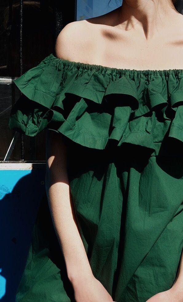 Storets Ruffle Dress #ruffle #dress #greendress #green #blogger #blogger #fashion #summer #outfit