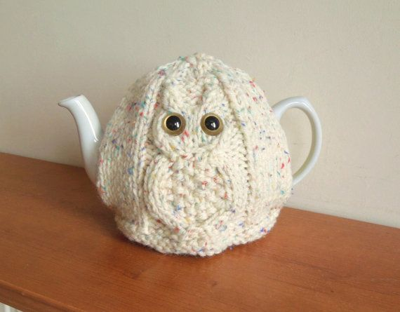 Knitted Owl Tea Cosy Pattern : 1000+ ideas about Knitted Tea Cosies on Pinterest Tea Cosies, Tea Cozy and ...
