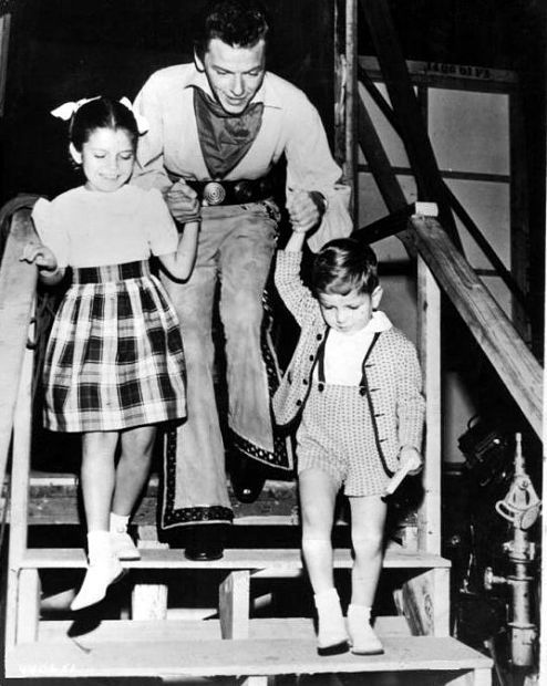 Frank Sinatra with daughter Nancy and son Frank Jr.