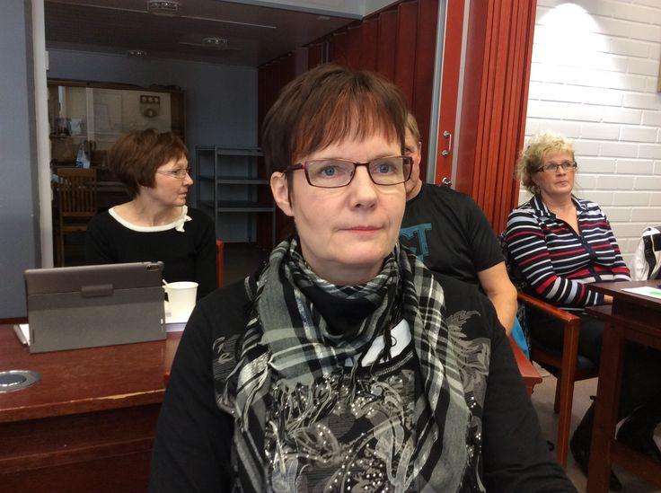 Raija Kolman on ravitsemistyöntekijä Juvakodin keittiössä.