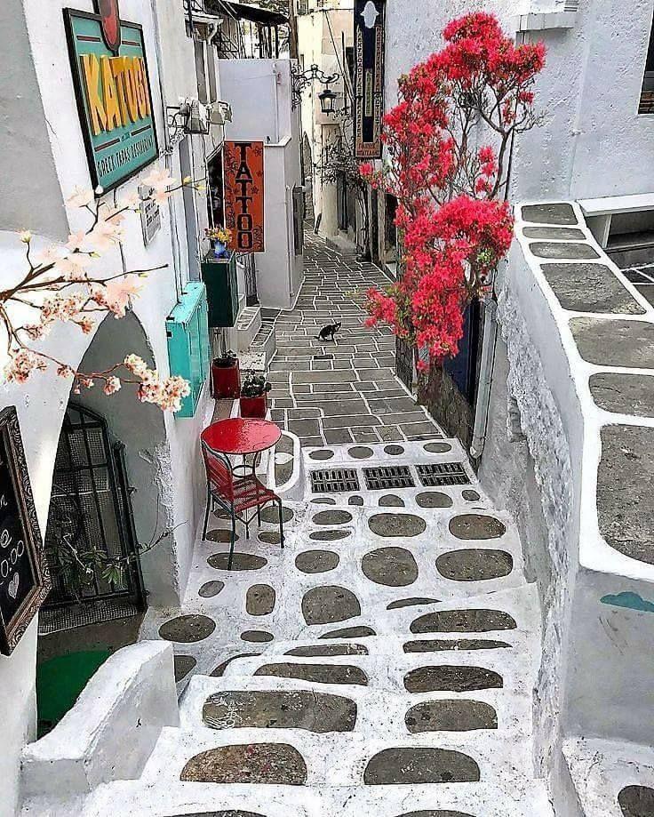 Los Island, Cyclades