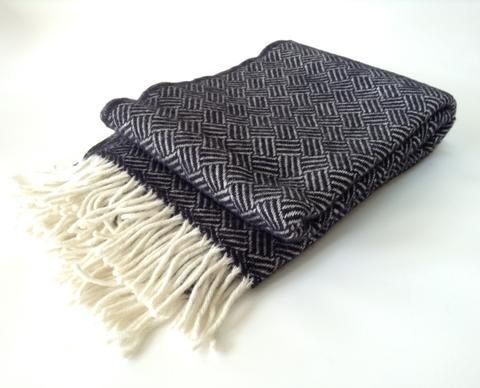 Klippan Lambs Wool Blanket - Samba Black. * * NZ WOOL * *