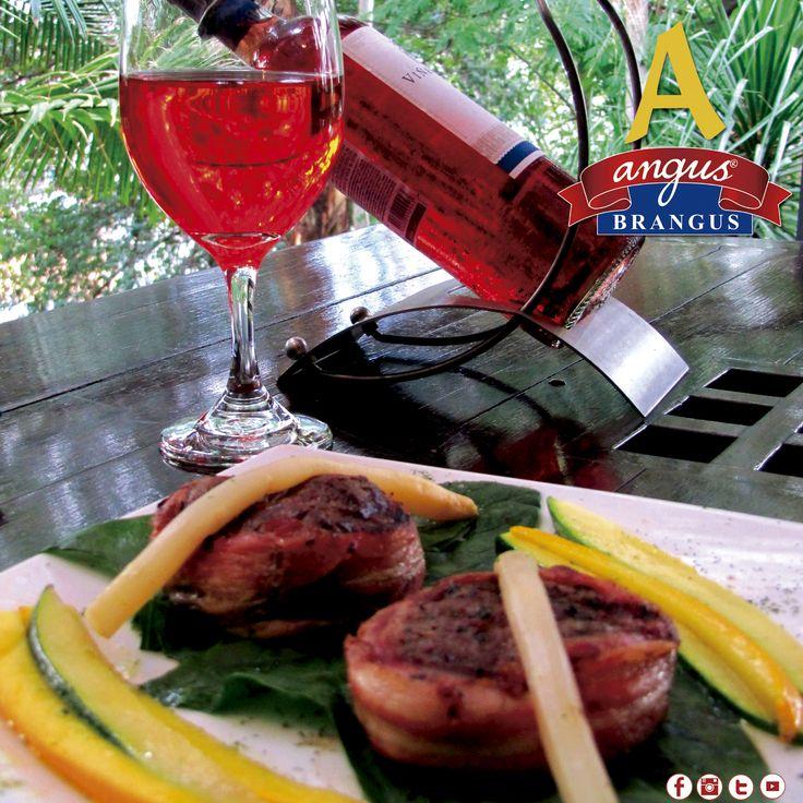 Almuerza hoy en Angus Brangus Parrilla Bar ; sugerimos Mignones Bacón Steak, cubiertos en tocineta y asados a la parrilla.     Reservas: 2321632 - 310 7006602.  www.angusbrangus.com.co  Cra. 42 # 34 - 15 / Vía las Palmas    #AngusBrangus  #almuerzo #restaurantebar #parrillabar #parrilla #carnes #restaurantesmedellín #medellíntown #medellincity #medellineats #recomendadosmedellin #Medellín #ElPoblado