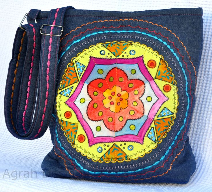 Llegaron nuevos Bolsos a Agrah Designs. Unicos, preciosos, con estilo propio. Podés ver el catálogo de nuestros bolsos y carteras en www.agrahdesigns.com. #bolsos #carteras #agrahdesigns #mandalas #patchwork