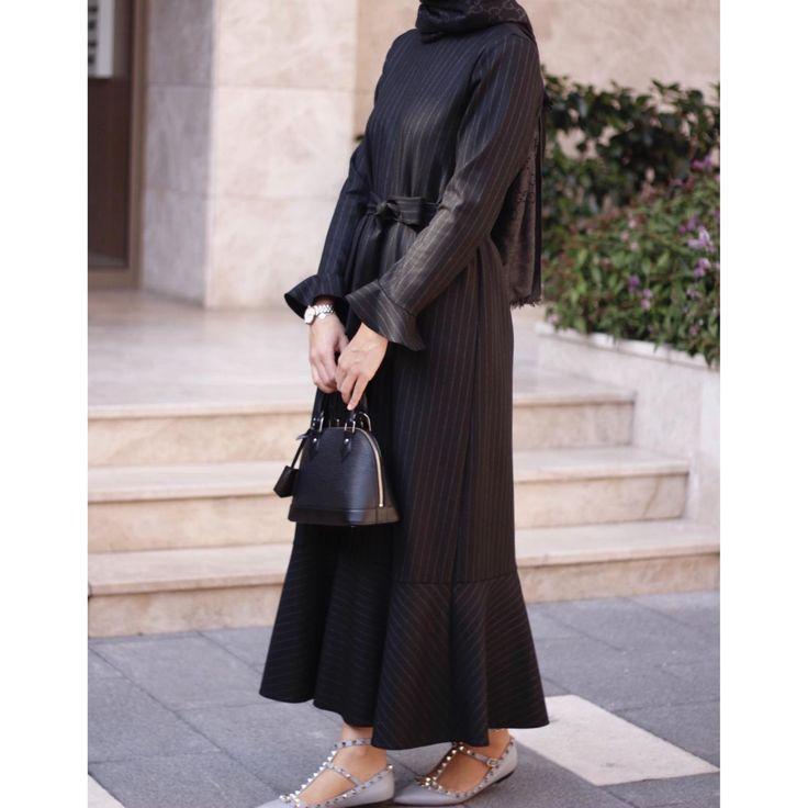 Volanlı Şerit Elbise