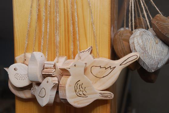 Wooden bird decoration