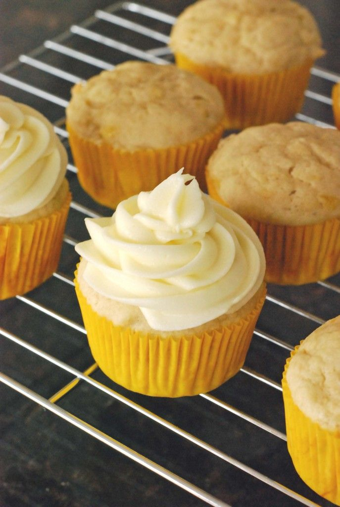 Low calorie cupcakes with cream cheese frosting