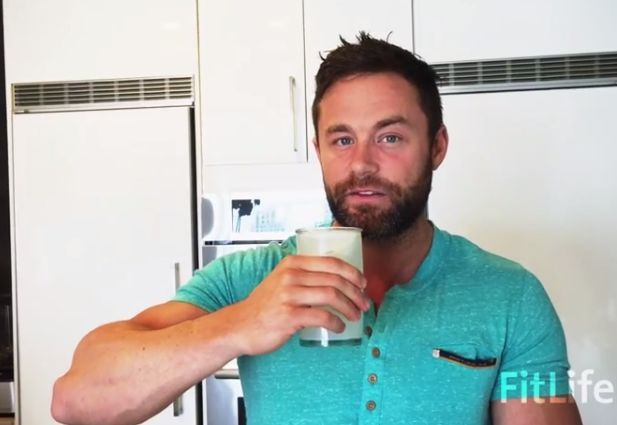 """Hello Fitlifers, We want to share to you a powerful makeshift lime/lemon soda called """"Magnesium Anti-Anxiety Elixir"""" that will lower your anxiety levels, alkalise your body, aid in your weight loss and boost your energy. Here are the essential ingredients that we willneed: 1. Magnesium Magnesium is one of the seven essential macro minerals (requiring [...]"""