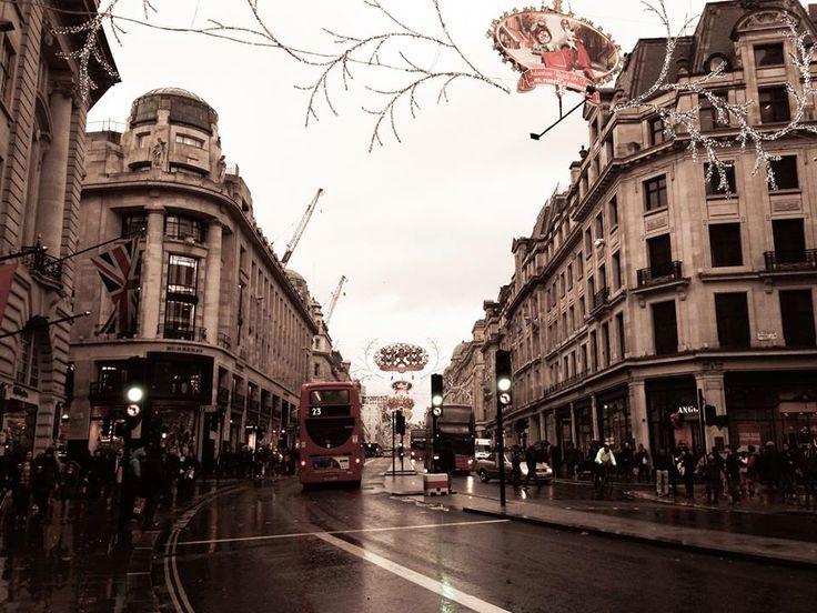 Busy streets of London, England Photo by: Danielle Yaghdjian