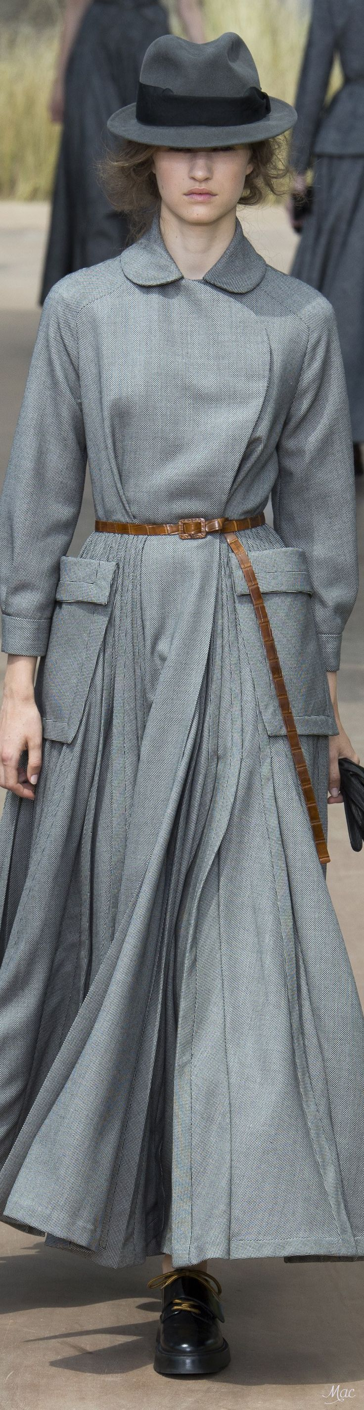 Fall 2017 Haute Couture Christian Dior